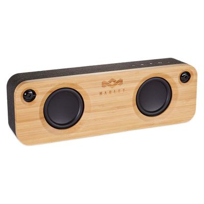 Sistema-de-audio-portable-hecho-de-bamboo-natural-con-conexion-bluetooth